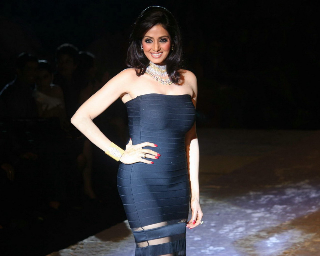 Sridevi Wear In Blue Color Fit And Tight Dress At Fashion -6144