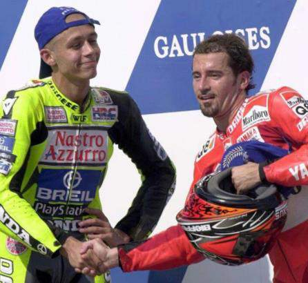 Valentino_Rossi(kiri)_Max_Biaggi(kanan) pict : Istimewa