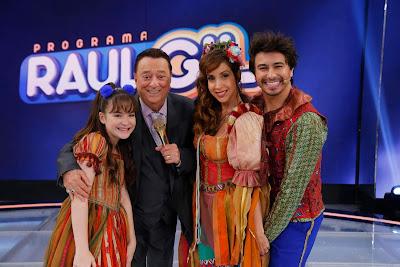 Poliana, Raul Gil, Alice e Lorenzo  (Crédito Rodrigo Belentani/SBT)
