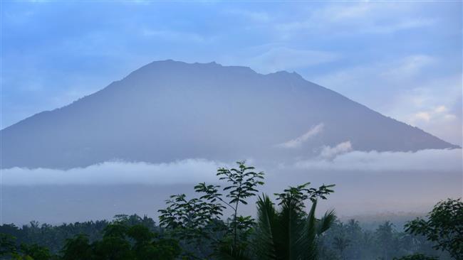 34,000 flee Bali as volcanic eruption fears grow