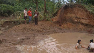 Banjir di Aceh Utara Surut, Ratusan Warga Desa Kumbang Syamtalira Aron Masih Mengungsi