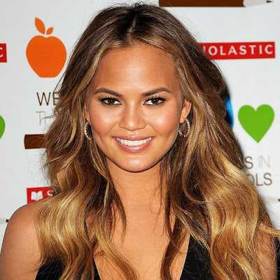 Model Chrissy Teigen Admitted That Everything About Her Body And Beauty Are Fake Except Her Cheeks
