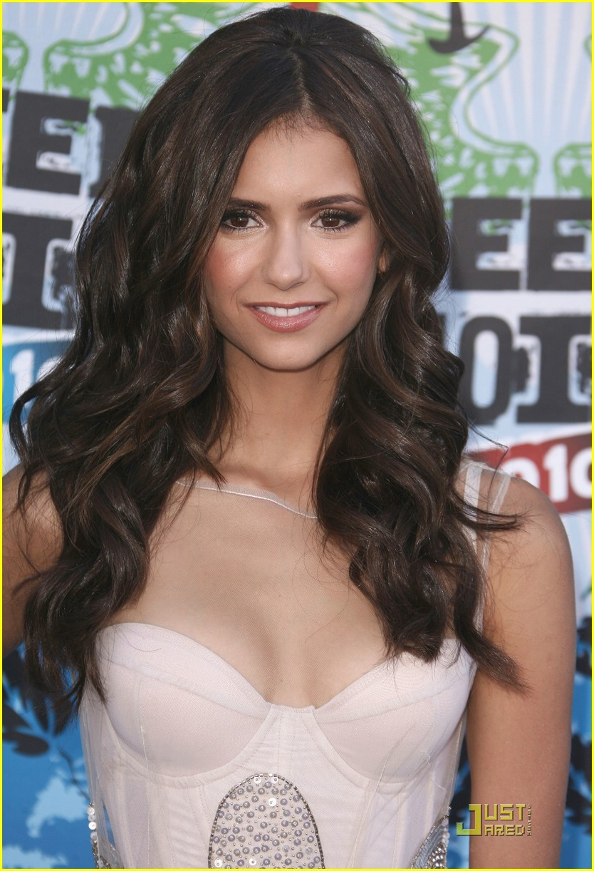 Pictures Of Nina Dobrev