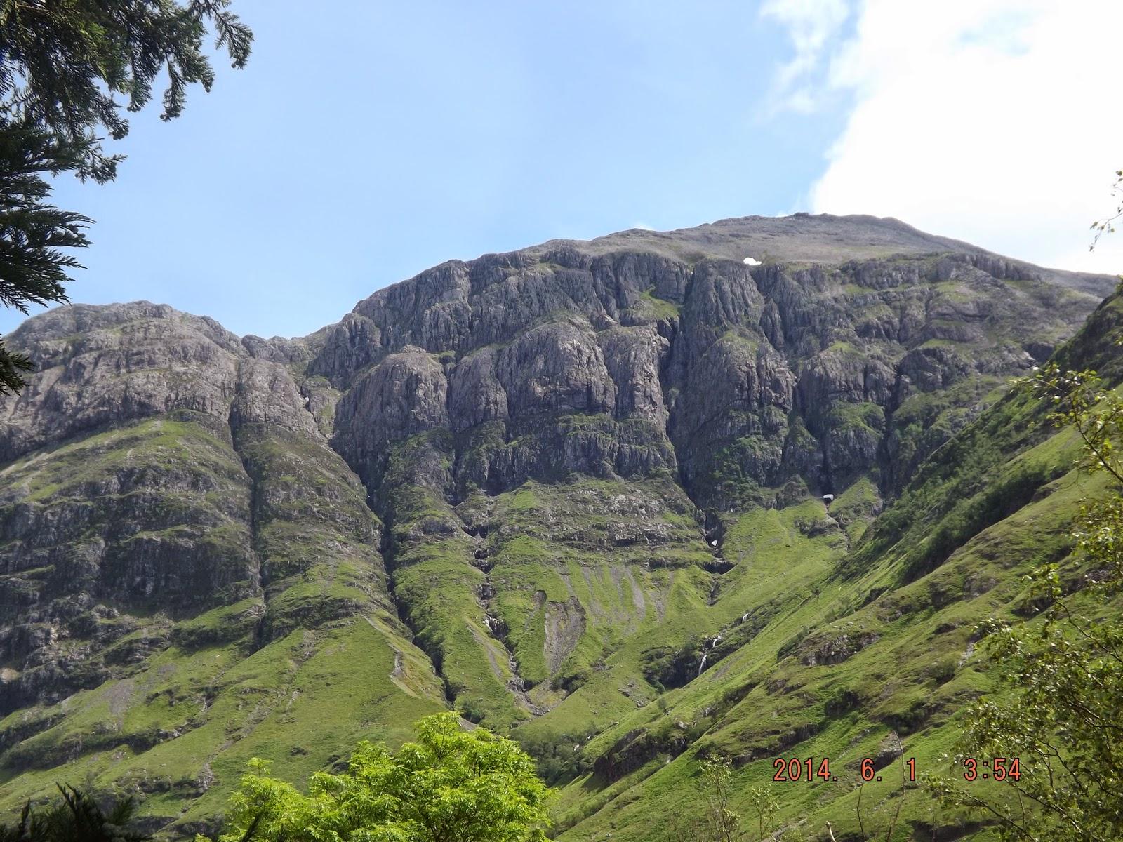 Skóciában, Glencoe völgy hegyei látszanak
