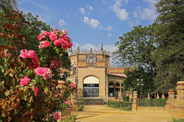 El Pabellón Real en la Parque de María Luisa de Sevilla