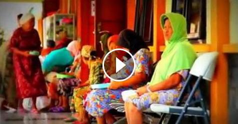 Mengharukan! Video Curhatan Seorang Nenek Yang Hidup Di Panti Jompo Karena Dibuang Anaknya