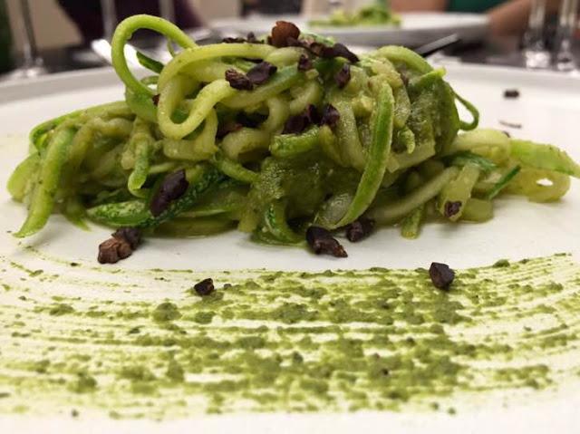 Um prato vegetariano cheio de sabor, o Spaghetti de Abobrinha agrada aos paladares mais exigentes - Foto de Kaki Melo