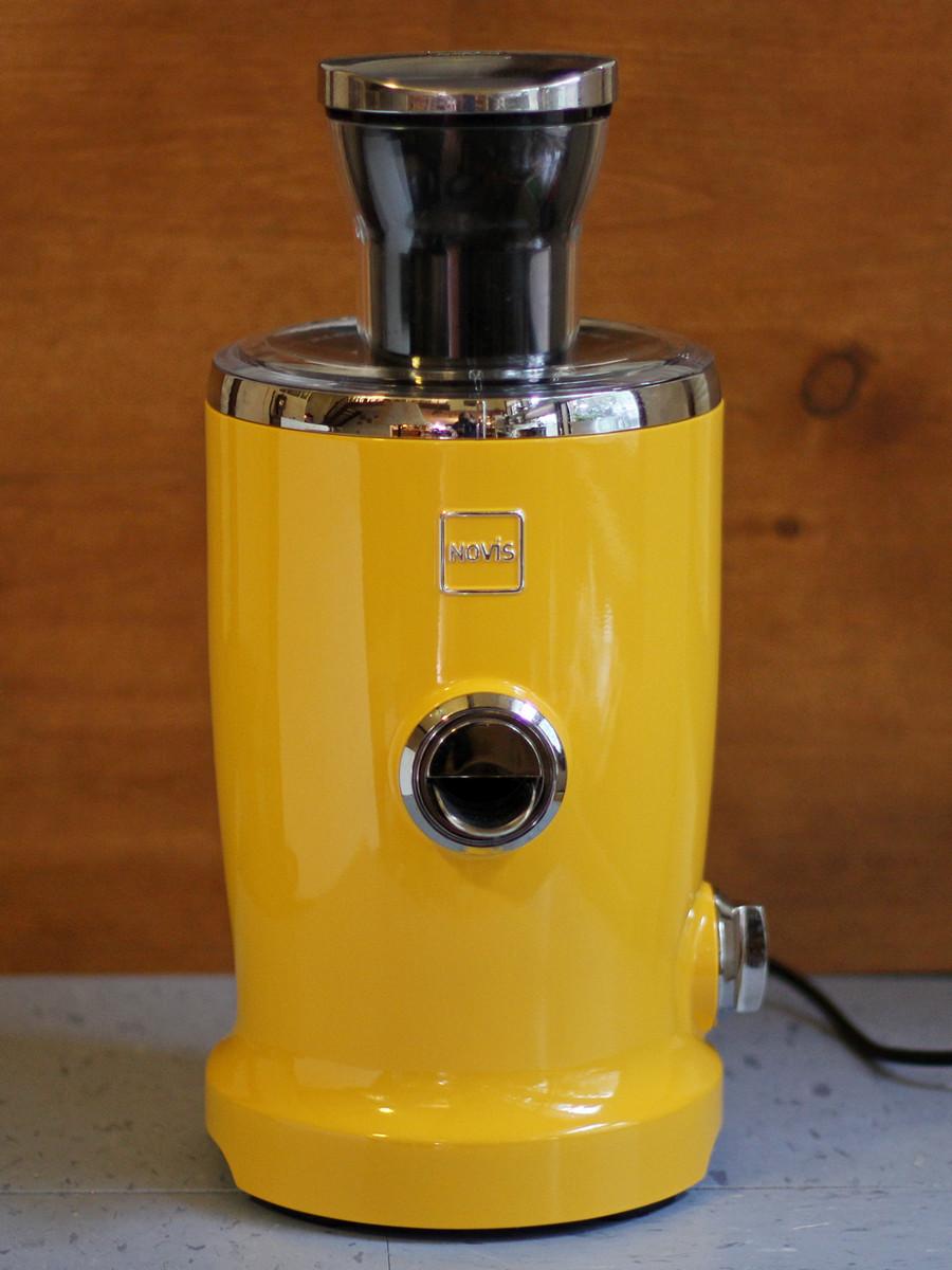 cookistry 39 s kitchen gadget and food reviews novis vita juicer. Black Bedroom Furniture Sets. Home Design Ideas