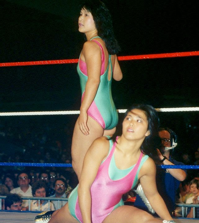 Jumping Bomb Angels-japanese women wrestlers-female tag team matches