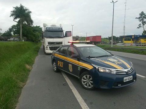 PRF aborda e autua motorista que furou os pedágios da Rodovia Régis Bittencourt quase 300 vezes