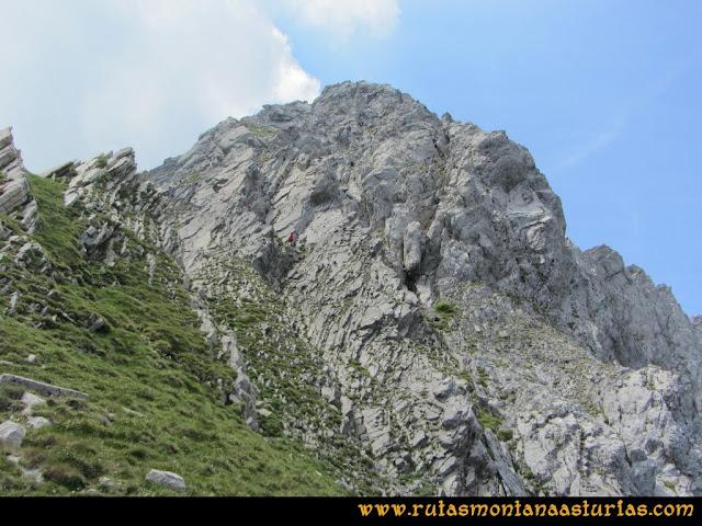 Ruta Tuiza - Portillín - Fontanes: Descendiendo del Portillín Oriental