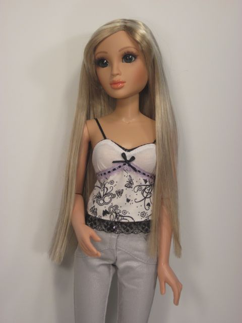 Lorifina-Doll-Review