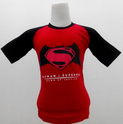 Kaos Raglan Anak Karakter Batman VS Superman Merah