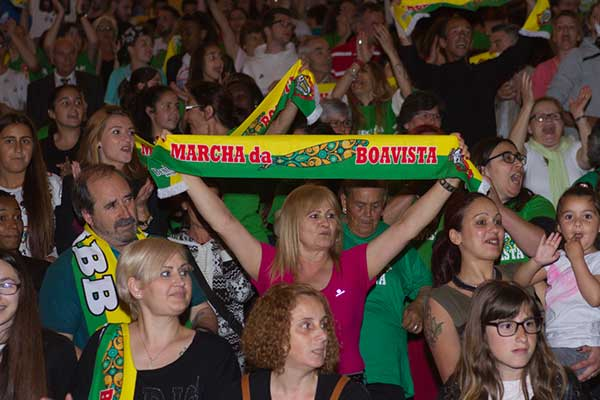 http://www.lusonoticias.com/index.php?option=com_content&view=article&id=33392:lisboa-ja-marcha-no-meo-arena&catid=452&Itemid=273