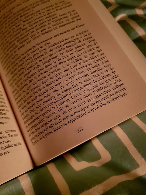 Aller me blottir dans ma couette et me plonger dans un bon livre pendant de heures