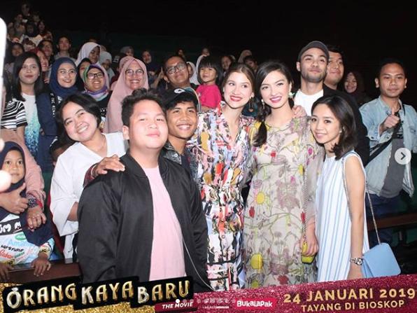 Menggelar Pemutaran Perdana di Bandung, Film Orang Kaya Baru Disambut Antusias Penonton