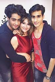 Urvashi Dholakia Family Husband Son Daughter Father Mother Age Height Biography Profile Wedding Photos