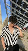 look masculino camisa  com botões abertos