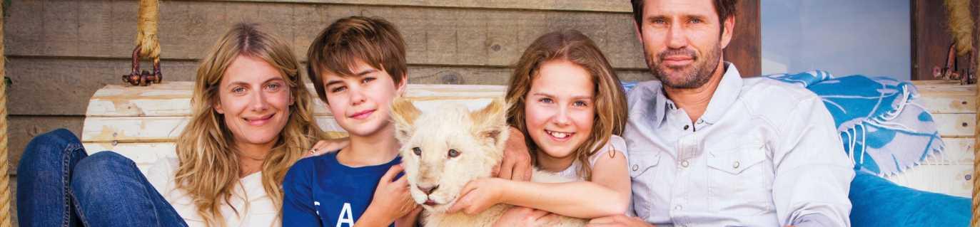 Mia y el león blanco HD 1080p, Mia et le lion blanc HD 1080p, Mi Mascota es un León HD 1080p poster box cover