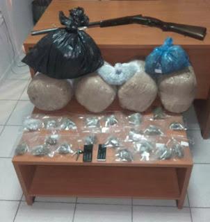 Από αστυνομικούς του Τμήματος Δίωξης Ναρκωτικών Κατερίνης συνελήφθη 52χρονος που δραστηριοποιούταν στο εμπόριο κάνναβης