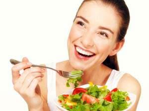 Cara Mengecilkan Lengan Wanita dengan Perbaikan Pola Makan