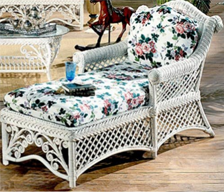 White Gazebo Traditional and Ornate Indoor Wicker Chaise Lounge with Cushions from Spice Island Wicker
