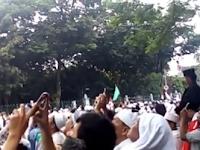 VIDEO : Penampakan Lafadz Allah di Langit Saat Aksi Bela Islam ini Bikin Merinding dan Nangis