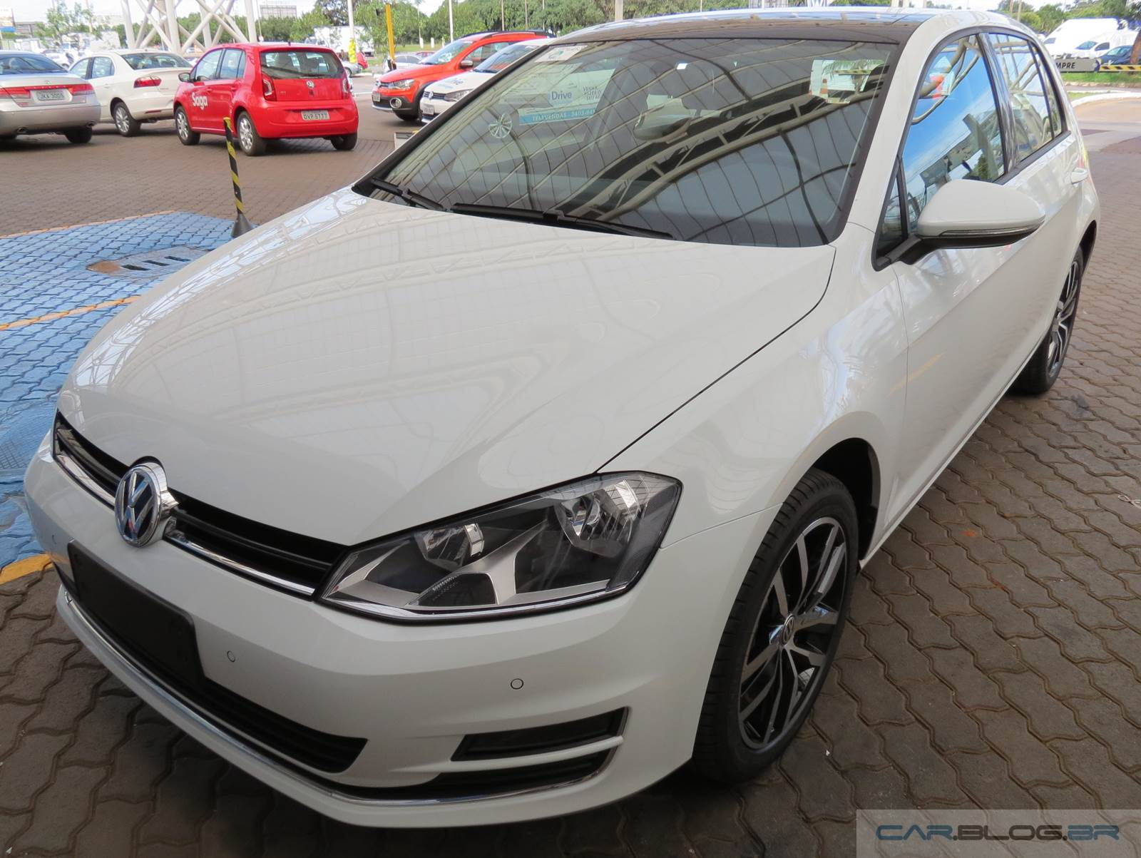 vw golf tsi pre o subiu mais de r 14 mil em 18 meses car blog br. Black Bedroom Furniture Sets. Home Design Ideas