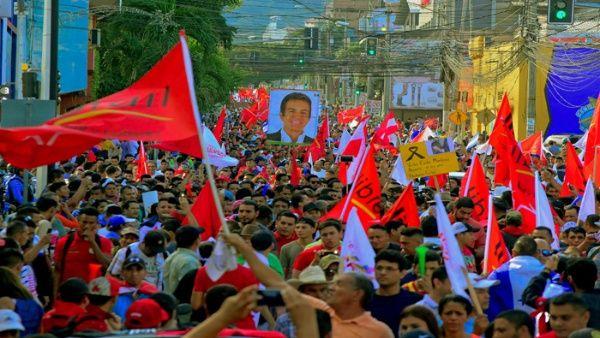Hondureños vuelven a las calles para protestar contra el fraude electoral
