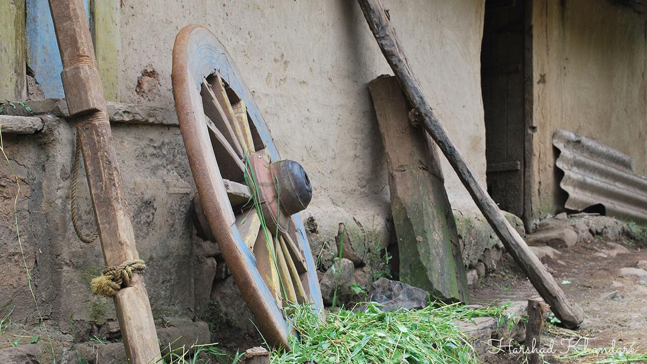 बैलगाडीचे लाकडी चाक