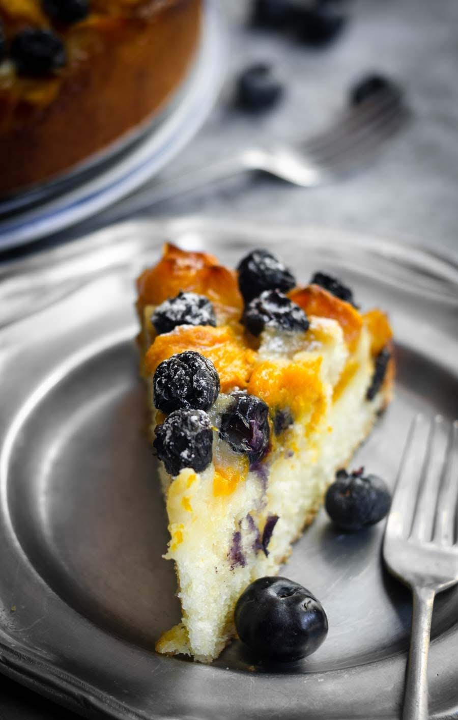 Mango and Blueberries Cake