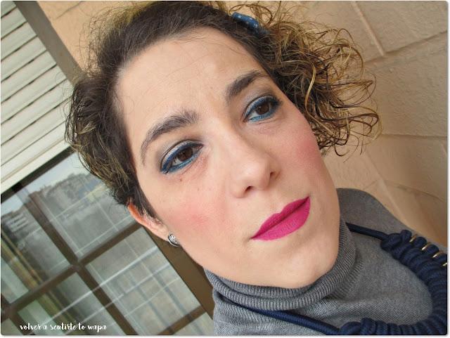 Maquillaje Azul & Plata y Labios Rosas - ArtDeco