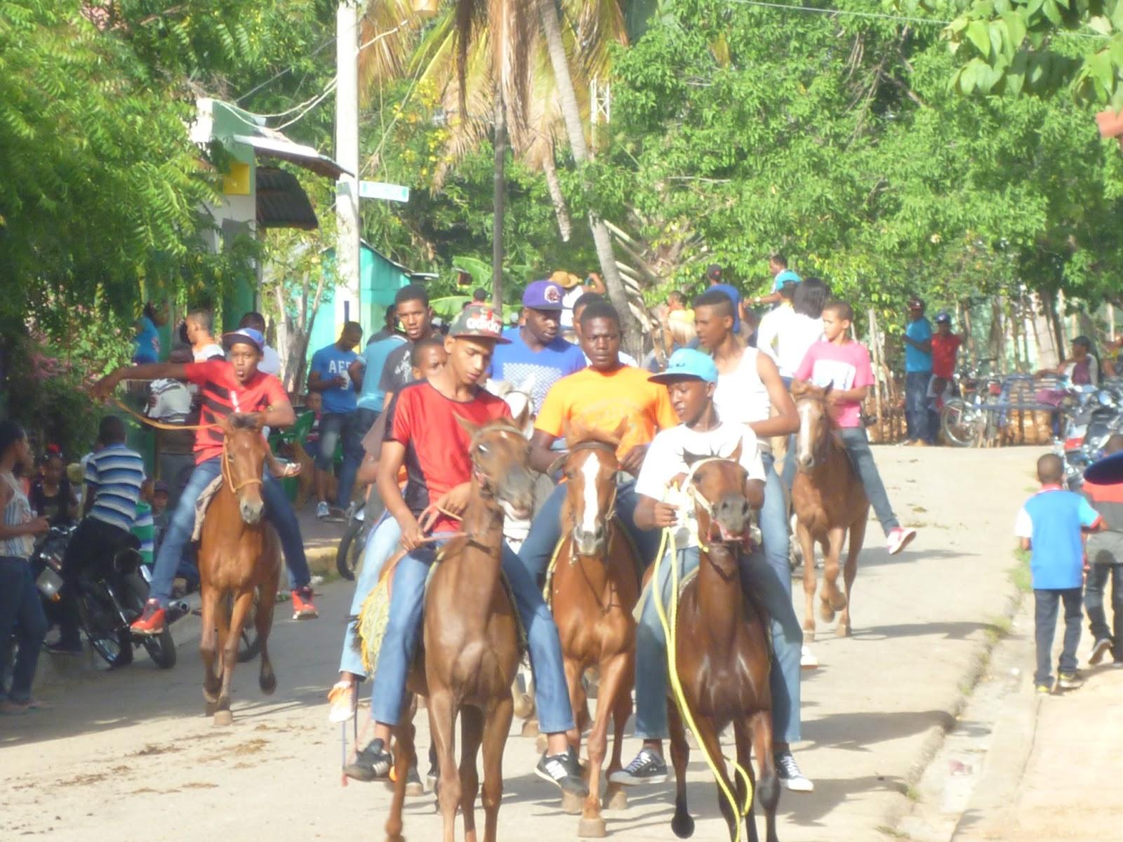 Cientos de Caballos correrán mañana por las calles de La Guázara en la tradicional corrida de San Juan.