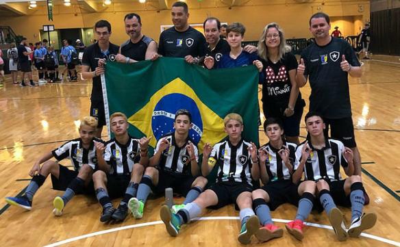 0e4be60a8b A equipe sub-14 de futsal do Botafogo Casa de España sagrou-se campeã  invicta do AAU World Futsal Championships