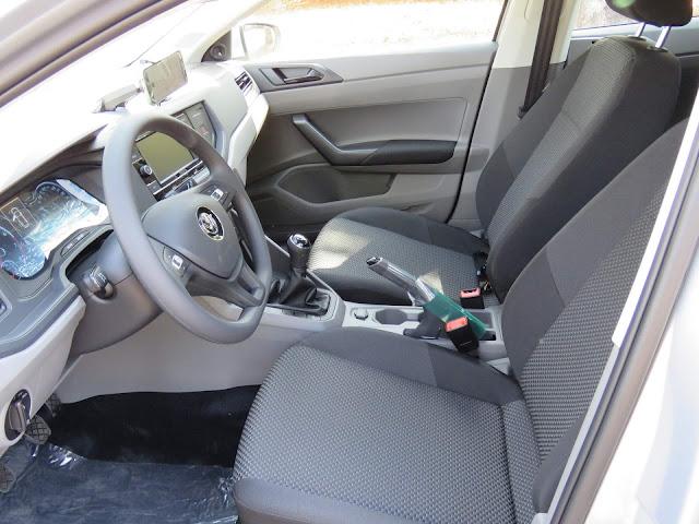 VW Polo 2018 - interior - espaço interno