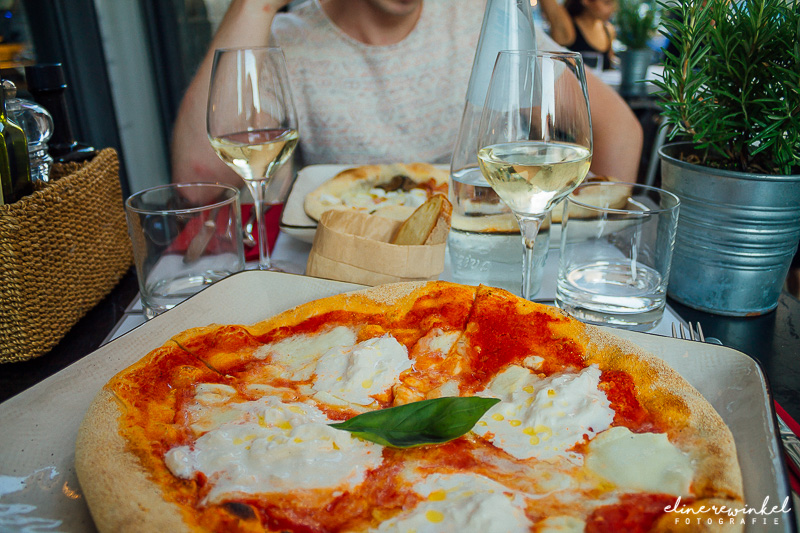 Incredible pizzas in Milan