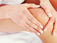 Cara Mencerahkan Siku Dan Lutut Dengan Scrub Kunyit