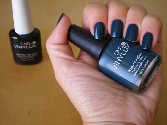 CND Vinylux Weekly Polish in #200 Couture Covet