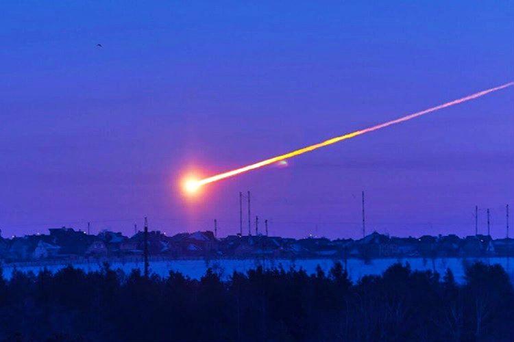 2013 yılında Rusya'nın Chelyabinsk şehrine de alevler içinde yanan bir göktaşı düşmüştü.