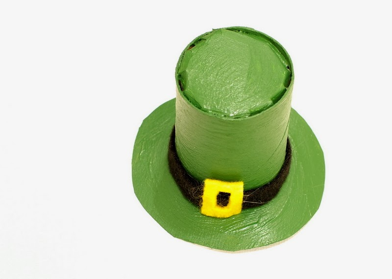 Painted Toilet paper Roll Leprechaun hat craft