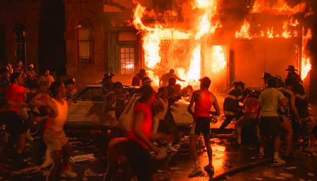 Spike Lee's Do the Right Thing, Riot Scene