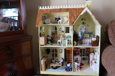Minature Doll House, Living from glory to glory blog...