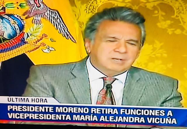 el presidente Lenín Moreno le retiró las funciones a María alejandra Vicuña