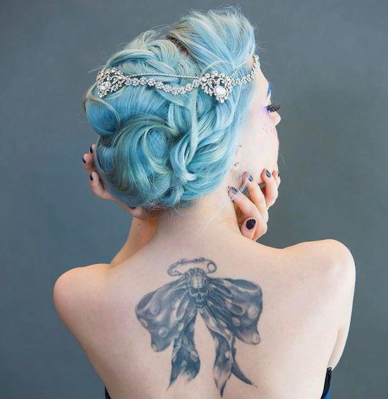 Se inspire nessa seleção de penteados mais bonitos para noivas de cabelo colorido. Acesse agora!