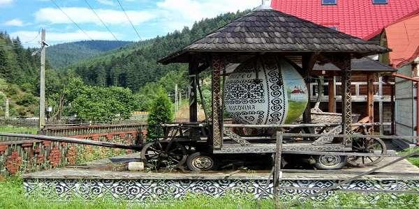 Muzeul Național al Ouălor Încondeiate din Ciocănești județul Suceava Bucovina