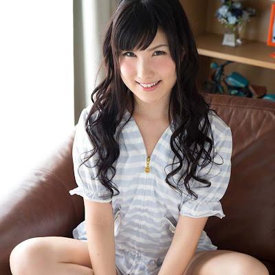 Rin Sakita lộ ảnh sex với anh chồng