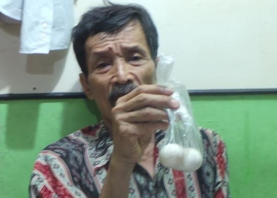 Believe Or Not: This Man From Indonesia Lays Eggs