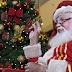 Papai Noel usa libras para se comunicar com crianças surdas