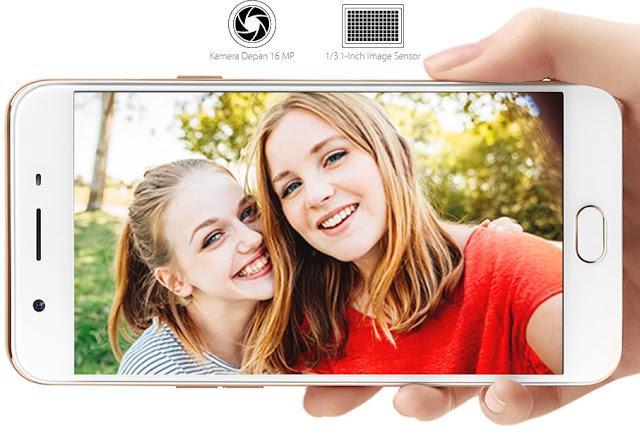 Smartphone OPPO F1s Sefie Expert merupakan produk terbaru dengan keunggulan pada kameranya. F1s memiliki kamera depan 16 Megapixel dengan Aperture f/2.0 dan sensor 1/3.1 inci dengan fitur beautify 4.0 serta kamera belakang 13 Megapixel dengan Aperture f/2.2 dan sensor 1/3.06 inci. Kamera ini menghasilkan foto dengan format RAW. Kamera ini juga memiliki settingan Segitiga Exposure.