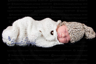 White knitted cocoon and hat